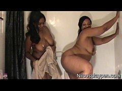 Wet Lesbian Balloon Popping : Nilou Achtland & Eve