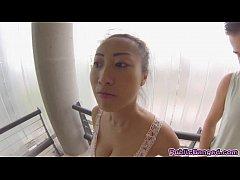 Asian slut Sharon Lee masturbates in toilet and...