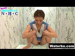 Gorgeous Sexy Gal Peeing