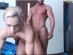 Gorgeous couple of bodybuilders on web-cam /no ...