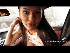 shaved cunt teen does anal in the car