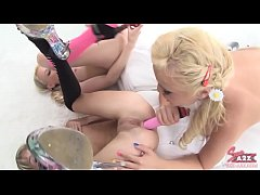 sex-a2z.com three lesbian plays with toys