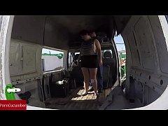 Enculada a la gorda en una furgoneta abandonada...