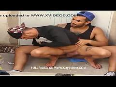 CHUPANDO POLLA EN LA CALLE// Full Video On WWW....