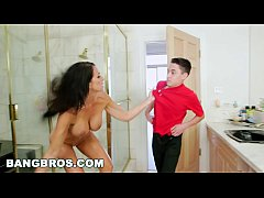 BANGBROS - Sneaking On My Stepmom Reagan Foxx (...