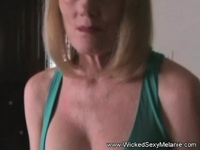 Mil phoenix shows off her pussy