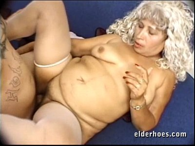 Other men figering wife to orgasm