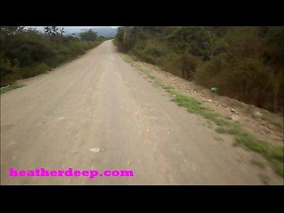 Heather profundo 4 rueda de miedo rápido quad y pee junto a los caballos en la selva versión de youtube
