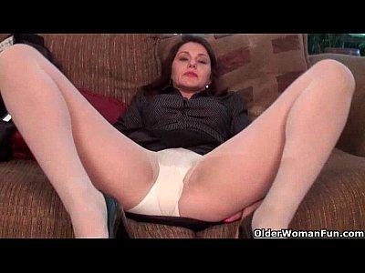 Mature women in pantyhose videos