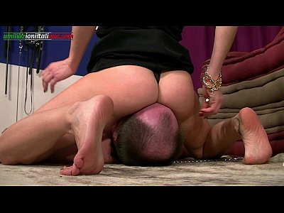 Shaven pussy with pantyhose