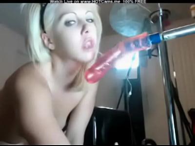Webcamgirl dildo deep in ass 2