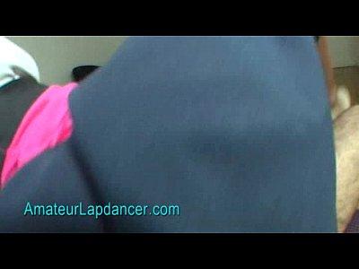 Caliente de ébano no lapdance con paja y titsjob