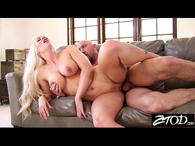 Milf cala cocks sucks on vacation - 1 4