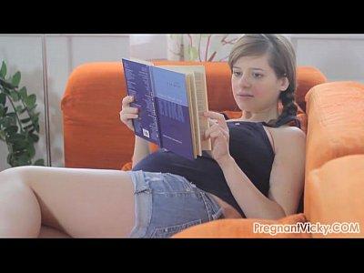 Videos Porno pregnant vicky from 4