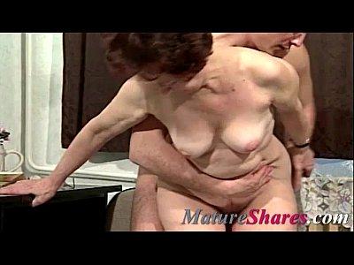 Suzanna holmes eats busty girl