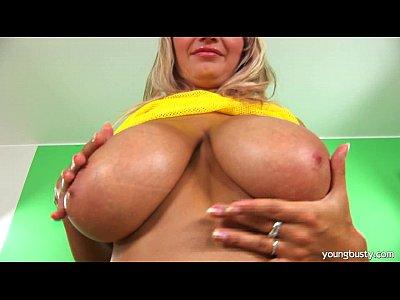 Busty young Darina fucking a large dildo (8 min)