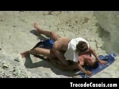 casal bi sexo praia nudismo
