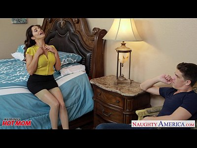 Hot mom Francesca Le ride anally a fat dick (9 min)
