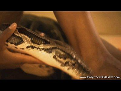 La sagrada serpiente la serpiente crecer milf