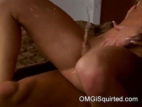 Videos de Sexo Porno garotas safadas fodendo com o amigo