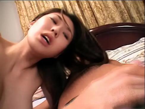 三宮里緒★スレンダー巨乳な美人のマ○コを犯しまくってザーメンを乳首にぶっかける!