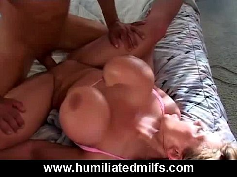 Milf loves to gets throatfucked