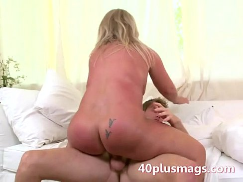Fat woman who suck cock