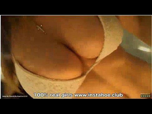 hermosa tetona y culona se masturba en camara web instahoe.club