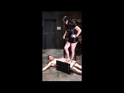 O Duce In Camera De Tortura Sexuala Si O Fute Grav