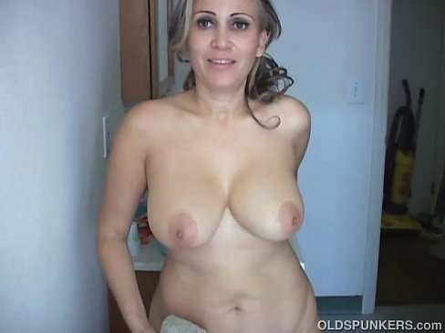 image Sexy old spunker shaves her pretty pussy and has a nice wank