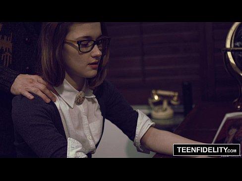 Teenfidelity schoolgirl michelle taylor creampie sex ed 9