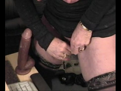 Clitoris foreskin withdrawing