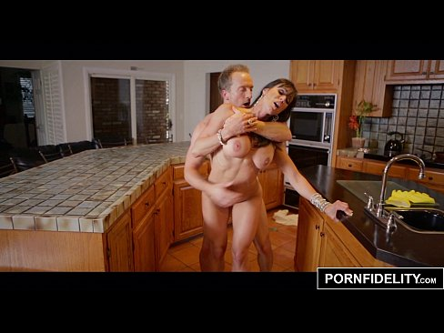 A married woman gets fucked in a hotel room 4