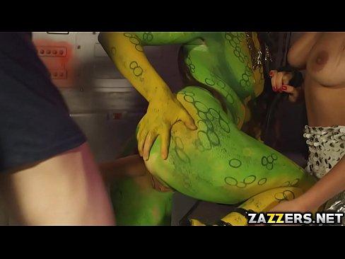 Femeia Verde Din Avatar Este Fututa In Pizda De Un Tanar De 20 De Ani Xxl