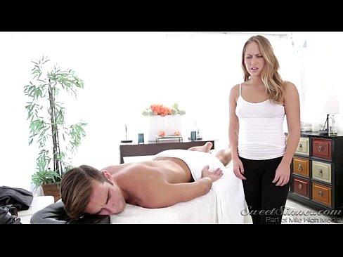 Порно місячні онлайн фото 553-235